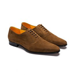 A custom made suede wholecut oxford. Bespoke handmade with camel Suede. (Side View)